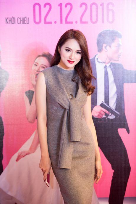 Angela Phuong Trinh goi cam, quyen ru duoi cai lanh cua Ha Noi - Anh 9