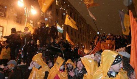 My da dao dien 2 kich ban Maidan Ukraine nhu the nao? - Anh 2