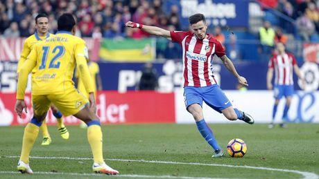 Saul sut bay no luc cua Las Palmas, giup Atletico ap sat top 4 La Liga - Anh 1