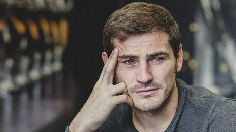 Iker Casillas trai long ve ly do roi Real Madrid - Anh 1