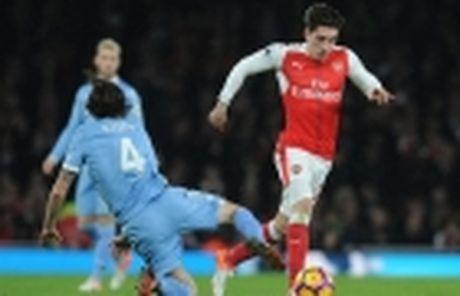 23h00 ngay 18/12, Man City vs Arsenal: Ngay Phao thu cong pha Etihad - Anh 9