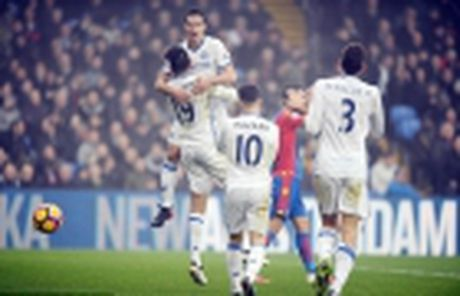 Tieu diem chien thuat tran Man City vs Arsenal: Phao thu coi chung - Anh 5