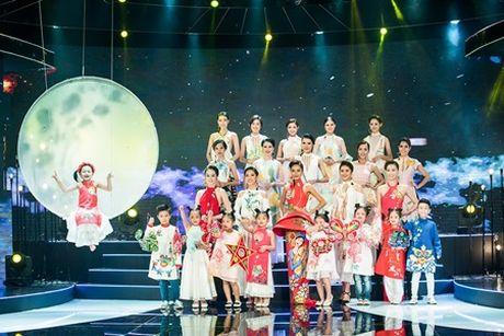 Lam Truong day cam xuc the hien ca khuc trong phim noi tieng cua chau gai - Anh 7