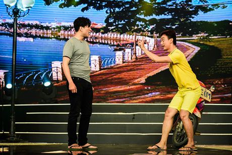 Lam Truong day cam xuc the hien ca khuc trong phim noi tieng cua chau gai - Anh 9
