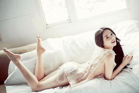 "Ho Ngoc Ha - Ngoc Trinh: 2 thai cuc trai dau, cung gay xon xao vi mot chu ""Tinh"" - Anh 15"
