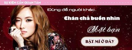 A hau Thanh Tu tu tin lam mau anh ben MC Vu Manh Cuong - Anh 11