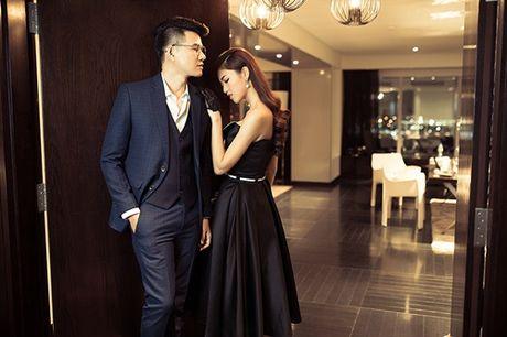 A hau Thanh Tu tu tin lam mau anh ben MC Vu Manh Cuong - Anh 8