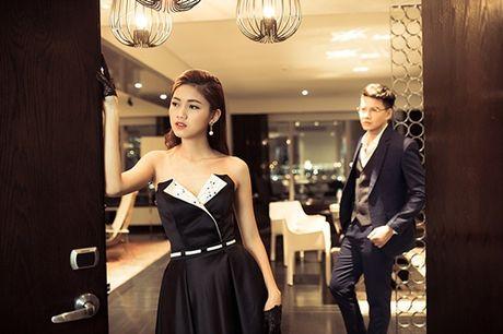A hau Thanh Tu tu tin lam mau anh ben MC Vu Manh Cuong - Anh 9