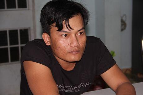 2 doi tuong 9x dung sung cuop tiem vang o Tay Ninh da bi bat - Anh 2