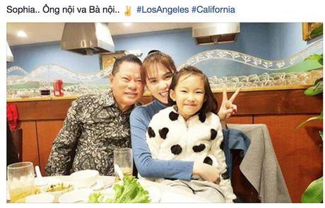 Con trai dai gia Hoang Kieu goi Ngoc Trinh la... 'ba noi' - Anh 2