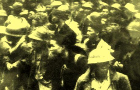 Chum anh kho quen ve Ha Noi mua dong nam 1946 (3): Ha Noi hat khuc ca khai hoan - Anh 11