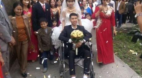 Co gai xinh cuoi chang trai gay 2 chan o Quang Ninh gay cam dong - Anh 1