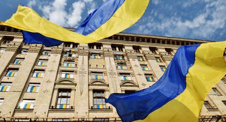 Ukraine len ke hoach mo rong lenh trung phat chong Nga - Anh 1