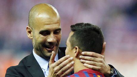 HLV Pep Guardiola: 'Toi da khong giup duoc nhieu cho Sanchez' - Anh 1