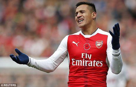 HLV Pep Guardiola: 'Toi da khong giup duoc nhieu cho Sanchez' - Anh 2