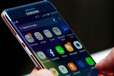 Nhung smartphone duoc cho doi nhat 2017 - Anh 2