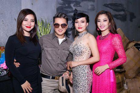Duong Trieu Vu hon ma dong vien Dam Vinh Hung - Anh 6