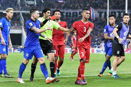 Thai Lan an ui cau thu Indonesia sau chung ket AFF Cup - Anh 3