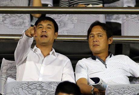 Tiep tuc tai vi, HLV Huu Thang di 'bat nguoi' cho SEA Games - Anh 1