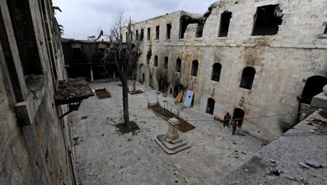 Sau chien thang o Aleppo, tiem kich Nga gia tang tan cong Idleb - Anh 1
