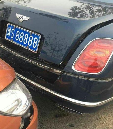 Chu xe co 'meo mat' vi dam xe sieu sang Bentley bien ngu quy - Anh 2