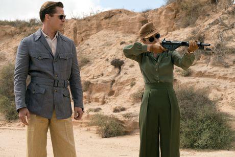Brad Pitt lep ve so voi ban dien trong 'Lien minh sat thu' - Anh 3