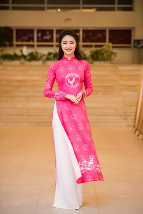 Hoa hau Thu Ngan trinh dien ao dai do Hoa hau Ngoc Han thiet ke - Anh 3