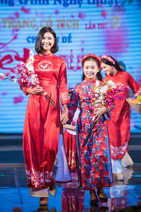 Hoa hau Thu Ngan trinh dien ao dai do Hoa hau Ngoc Han thiet ke - Anh 6