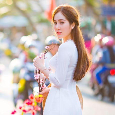 Phat sot voi cac co giao da trang nhu Ngoc Trinh - Anh 3