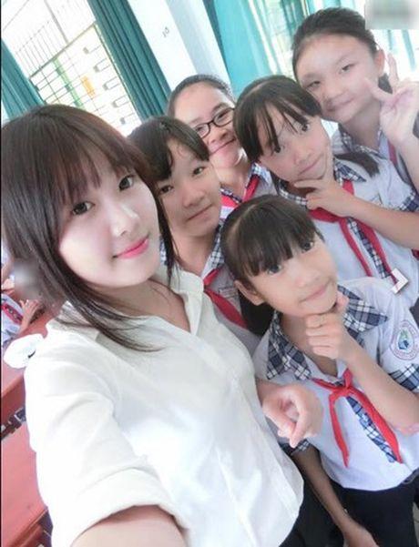 Phat sot voi cac co giao da trang nhu Ngoc Trinh - Anh 6