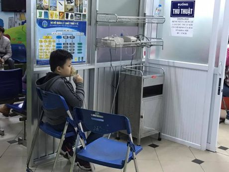 3 con trai cua BTV Quang Minh cung di vien mot luc - Anh 2