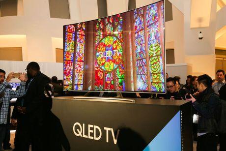 TV Samsung QLED va LG OLED khac nhau nhu the nao? - Anh 1