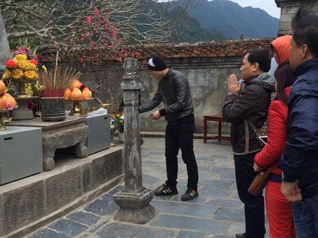 Yen Tu: Hang nghin nguoi un un du xuan le Phat nhung khong chen lan, rac thai duoc de gon gang - Anh 5