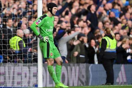 Goc Arsenal: Cech, Wenger va nhung su that phu phang - Anh 1