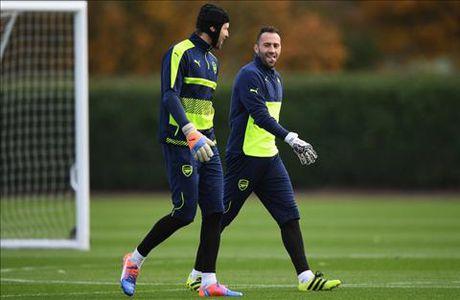 Goc Arsenal: Cech, Wenger va nhung su that phu phang - Anh 2