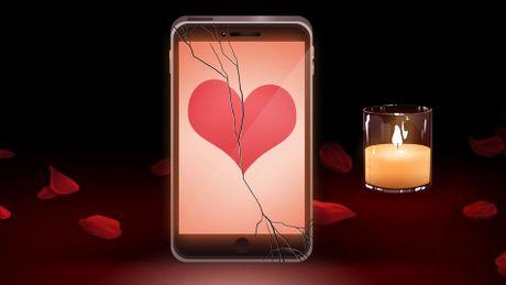 Dung de chiec dien thoai loi thoi lam hong buoi hen ho Valentine cua ban - Anh 1