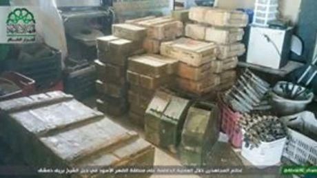 Quan doi Syria bat ngo that bai, mat chot o ngoai vi Damascus - Anh 1