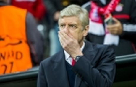 HLV Wenger se bi hoc tro lam phan? - Anh 4