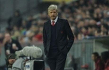 HLV Wenger se bi hoc tro lam phan? - Anh 5