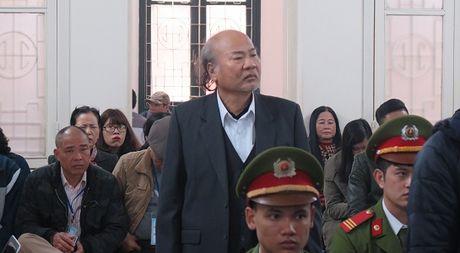 Bo cua Giang Kim Dat phu nhan ca loi khai cua con tai toa - Anh 1