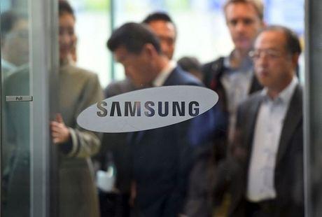 Vang lanh dao, Samsung doi mat nhieu song gio - Anh 1