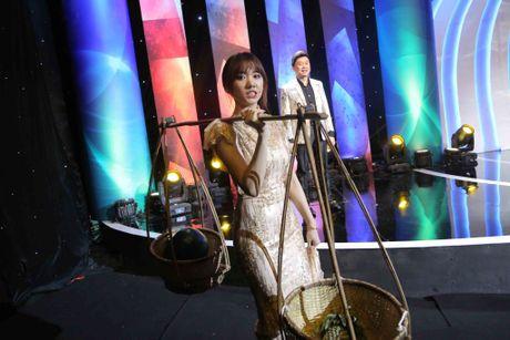 Doi bo Tran Thanh sang mot ben, Hari Won nan ni duoc lam vo Chi Tai - Anh 3