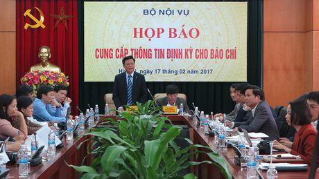 Van nghien cuu che do voi ong Vu Huy Hoang sau khi bi 'xoa tu cach' - Anh 1