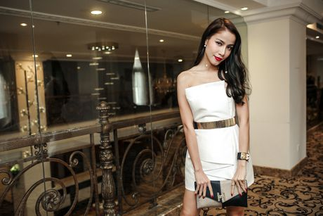 Vo Hoang Yen dien tong den quyen ru o su kien - Anh 5