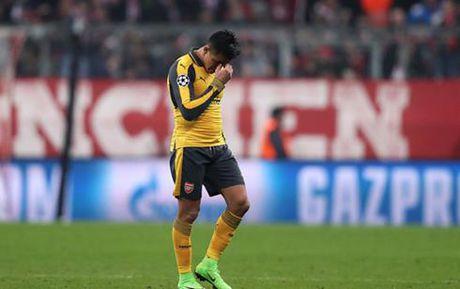 The thao 24h: Thua 1-5 truoc Bayern, sao Arsenal thao chay hang loat - Anh 1