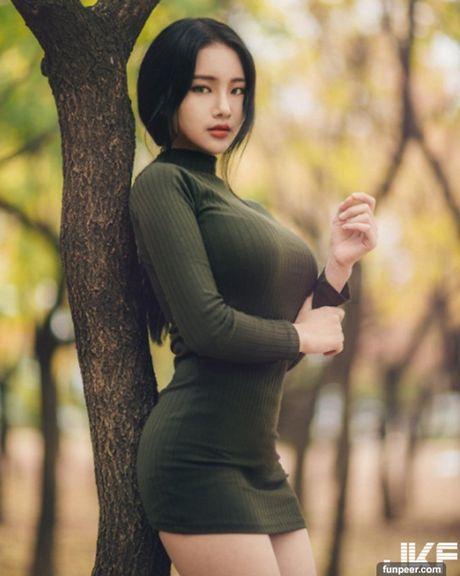 Hot girl co vong 1 tu nhien khung nhat he lo ly do khong mac ho hang - Anh 14