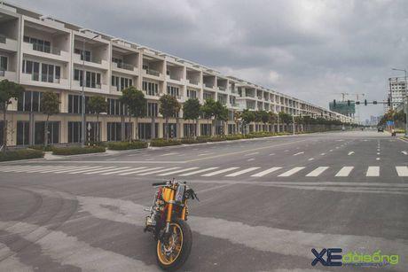 Honda CB750F do cafe racer cuc chat voi tong vang cam Repsol o Sai Gon - Anh 12