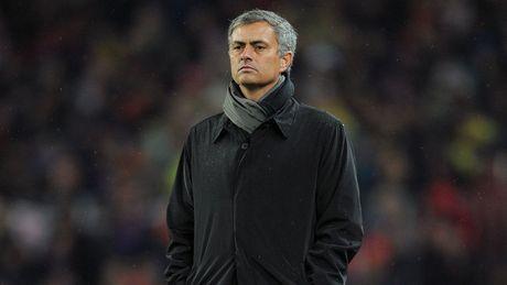 Mourinho va cong cuoc 'tu chuyen hoa' o Manchester United - Anh 1