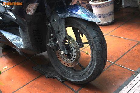 Cam lai xe tay ga Yamaha NVX 'loi' tai Viet Nam - Anh 3