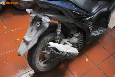 Cam lai xe tay ga Yamaha NVX 'loi' tai Viet Nam - Anh 4